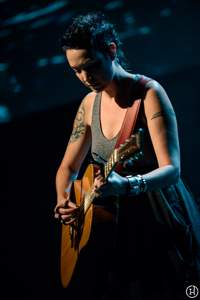 Sarah Macintosh performs at Story in Chicago, IL on September 21, 2012 (Jeff Harris)